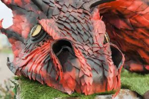 Sculpture de dragon du festival